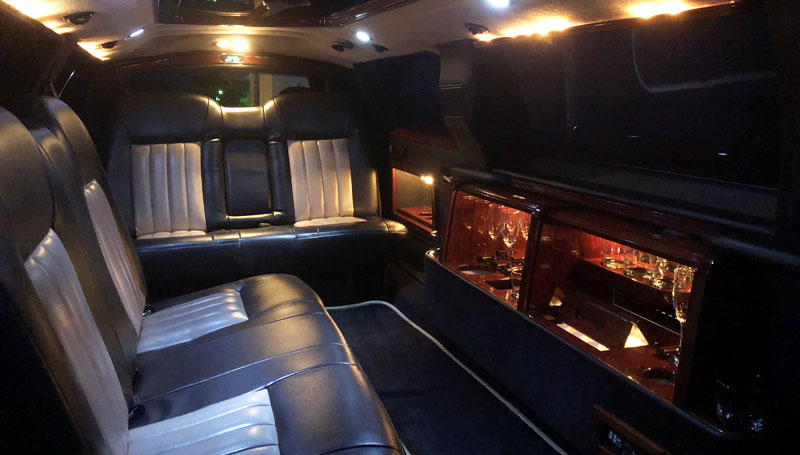Lincoln Towncar Stretch Limo Interior